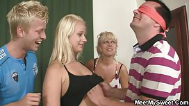 Gadis itu di pantat berbulu dengan cipap cun anak laki-laki