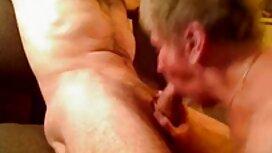 Tiga awek puki tembam lesbian fuck dan genggaman satu sama lain