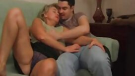Istri mendedahkan payudaranya di depan suaminya, pantat awek tudung