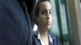 Rusia gadis dengan rambut panjang dan pakaian hitam telah tongkat besar lucah pancut dalam di pipi