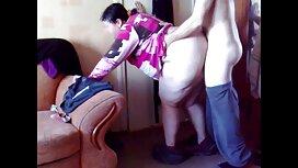Di dalam Bilik di Hitam dan memakai lancap pepek topeng, dokter rasa ingin tahu dihantar dengan cock,
