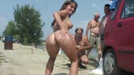Gadis-gadis sanggap cipap muda di depan kamera mengusap donkey