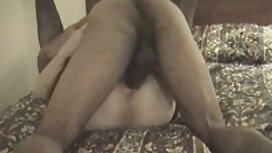 Wanita Hisap di tempat tidur awek main pantat dan jari-jari.