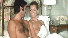 Wanita seperti itu di sebuah kamar hotel jilat pantat awek